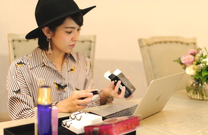 https://cosme.okinawa/wp-content/uploads/2018/10/rogo-toumei.png